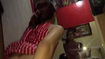 Мисс решила показать на камеру ножку в сексуальном нижнее белье