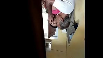 Компиляция обильных выстрелов мужского семени на личика молодых и зрелых бабушек