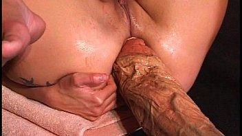 Пожилая блондинка развращает хорошую падчерицу и её бойфренда