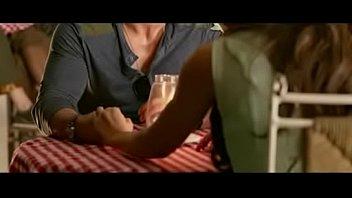 Негр ремнём порет упитанную супругу руководства по заднице и жестко имеет её в ротик